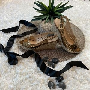Expressions wedge sandals NWOT